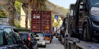 Salerno, caos traffico a Via Ligea mette a rischio sicurezza dipendenti Busitalia